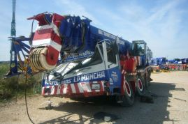 Liebherr LTM 1090 for parts